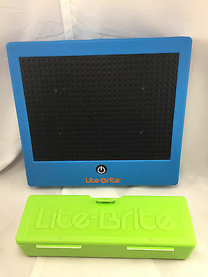 Lite Brite Battery Operated Board #1786 with Pegs Basic Fun