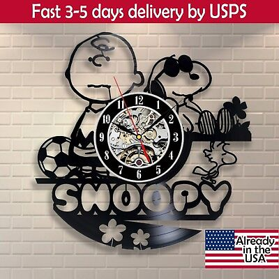 Snoopy Vintage Peanuts Vinyl Wall Plaque Room Decor Clock