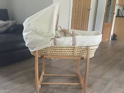 Babies Moses Basket and Carry Cot Stand Mamas and Papas