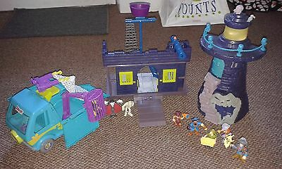 Scooby Doo Bundle, Lighthouse, Pirate Fort, Mystery Machine And figures