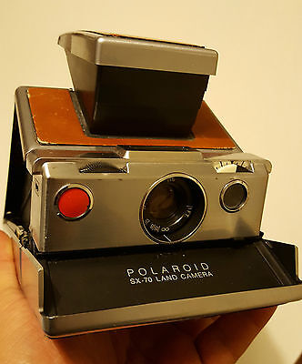 Polaroid SX-70  camera vintage TESTED & WORKING