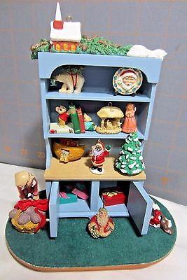 "1994 Hallmark QXC4843  ""Mrs. Claus' Cupboard""  Display Piece --Artist Signed"