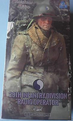 "1/6 Scale DID boxed figure Radio operator ""Paul"" Christmas Edition (No dragon)"