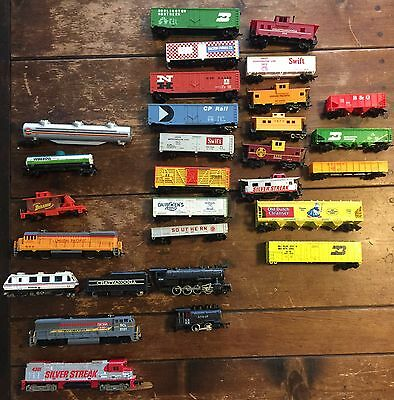 Lot of 28 Vintage HO Scale Electric Model Trains Santa Fe Tyco Bachmann Lionel