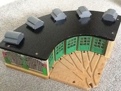 Wooden thomas the tank engine tidmouth sheds - Thomas and friends