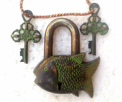 Antique Vintage Hand Carved Fish Shape Padlock Brass Home Decor Gift Item BM45