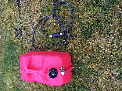Boat outboard fuel tank and hose