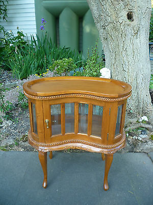 Antique Victorian Style Mahogany Drinks Display Cabinet with Tray!