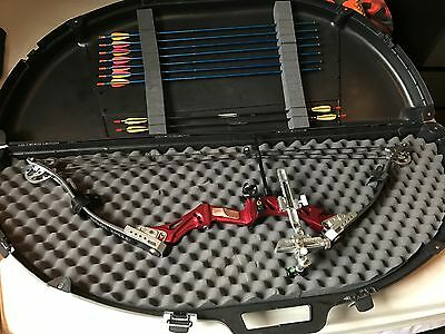 Merlin Max 3000 Compound Bow + Full Set of Equipment
