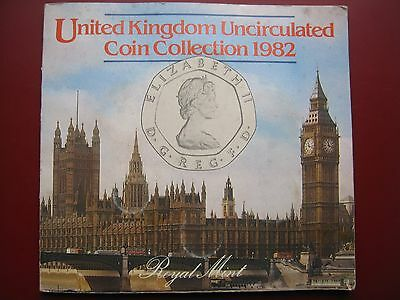 UK British 1982 UNC 7 Coin set 1/2 - 50 Pence in folder By Royal Mint