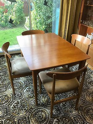 4 seat extending table and chairs