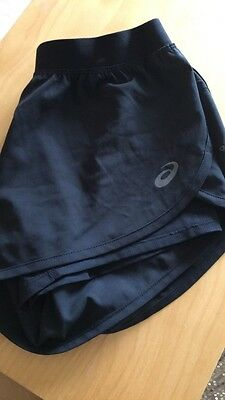 Ladies 2 in 1 Asics Shorts in Size XS