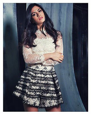 """SHADOWHUNTERS-The Mortal Instruments-""""ISABELLE"""" (Emeraude Toubia) 8x10 Photo-c-"""