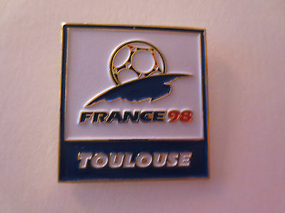 France 1998 FIFA Football World Cup Logo Host City Toulouse Official Pin Badge