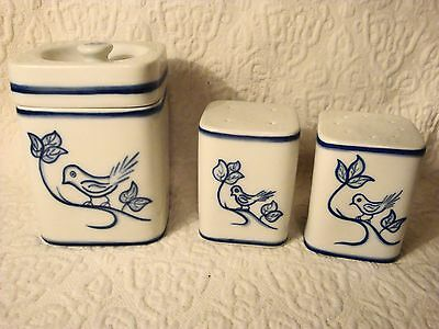 Vtg porcelain Hand Painted Bird Design Sugar Bowl Salt & Pepper Shakers Portugal
