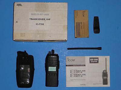 Icom F70 VHF battery antenna software manual belt clip box Excellent Condition