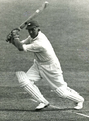Maurice Leyland's extra cover drive ORIGINAL CENTRAL PRESS photograph 1932