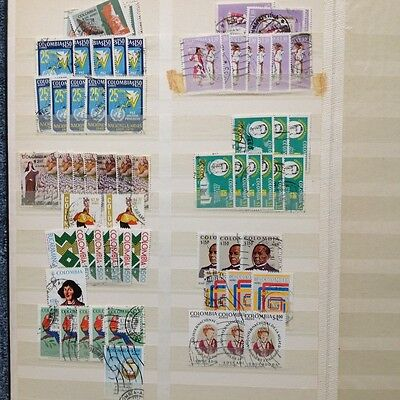 Stamps Colombia 600+ with duplicates. Stamps only, no book