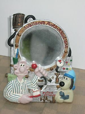 Vintage Wallace & Gromit shaving mirror 1989