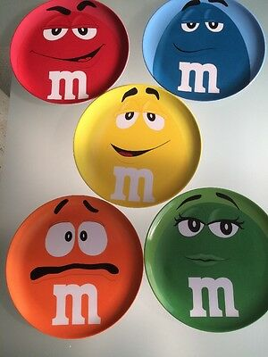 M&M's chocolate World Childrens plastic novelty SMILEY funny faces dinner plate