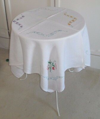 """VINTAGE HAND EMBROIDERED  TABLECLOTH c1930s about 40"""" square"""
