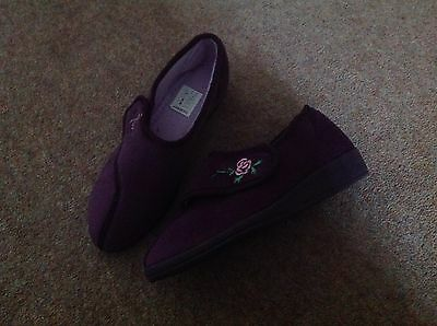 ladies slippers size 6
