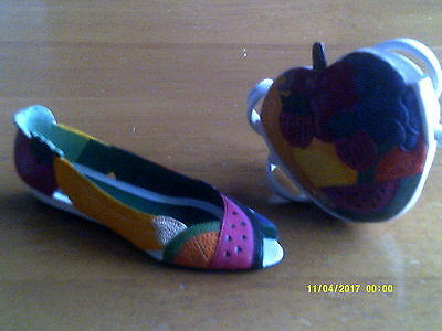 2 JUST THE RIGHT SHOE- COLLECTIBLE SHOES BY RAINE Fruity plus Purse