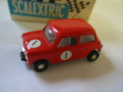 Scalextric VINTAGE C76 MINI COOPER RED  VERY GOOD BOXED WITH INSTRUCTONS