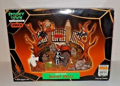 """2003 Lemax Spooky Town Collection """"SPOOKY KNOLL"""" Halloween Display Set"""