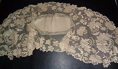 """VICTORIAN circa 1900 LACE DOILY Floral Design Table Runner 44"""" x 13"""""""