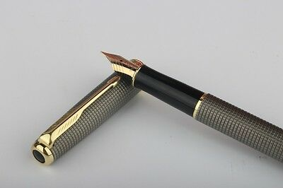 Parker Sonnet Fountain High Quality Grey Chequered Pen with Gold Plated Trim
