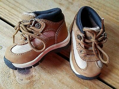 Oshkosh Genuine Kids Size 2 Brown Leather Baby Boots Shoes