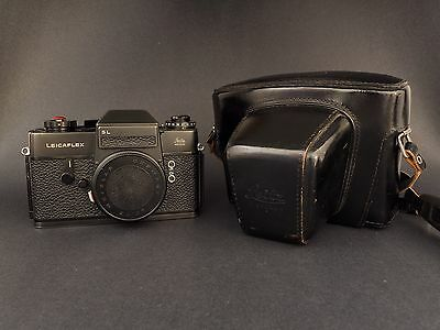 Leicaflex SL Black Body With Black Leitz Wetzlar Case