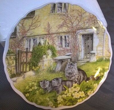 """ROYAL ALBERT Cats and Cottages """"First Outing""""  England Collectors's Plate"""