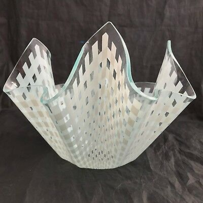 MED Chance Glass Handkerchief Vase WHITE 'GINGHAM' Table cloth Pattern 1970's
