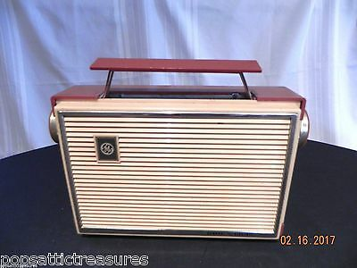 Vintage General Electric tube radio 1950s Rust and Cream