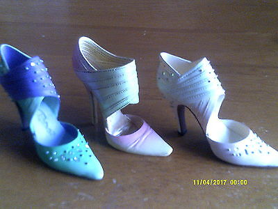 3 JUST THE RIGHT SHOE- COLLECTIBLE SHOES BY RAINE Spring Raine/2/Lavender