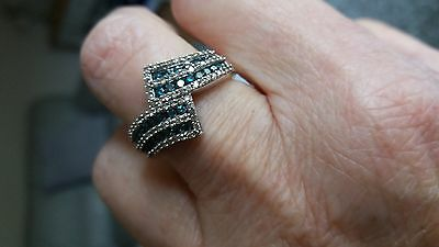 9ct White Gold Blue and White Diamond Ring Size P