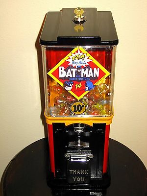 RARE Victor Topper Deluxe 10 Cent Batman Rings Buttons Vending Gumball Machine