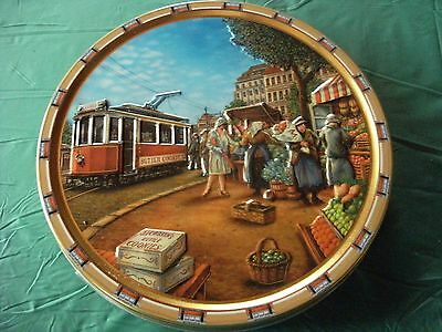 Collectable Biscuit TIN - European Street Cars