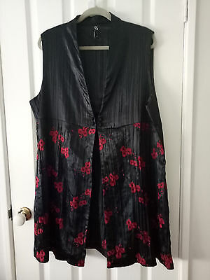 TS Taking Shape Black and Red Poppy Oriental Tunic Vest Size 20