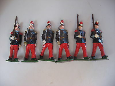 Lot of plastic toy soldiers 2