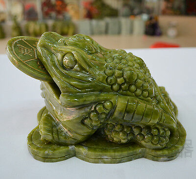 natural gemstone green color nanyu jade ornaments Lucky toad