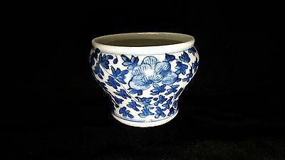Rare Tiny Antique 19Th Blue And White Porcelain Spittoon  Chamber Pot Cuspidor