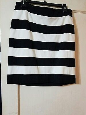 white house black market ponte skirt size10 new with tags