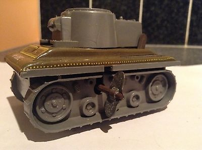 Vintage Yone Clockwork Tinplate Tank With Key No:2122 Made In Japan