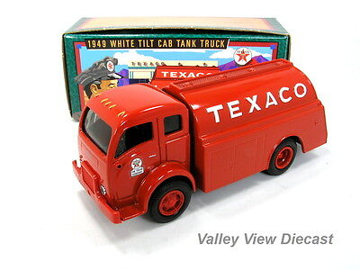 Ertl 1/25 Texaco 1949 White Tilt Cab Tanker Bank  - #13 In Series - Mint In Box