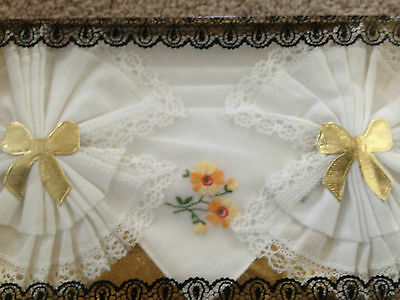 Set of 3 Vintage cotton ladies handkerchiefs, lace edged, embroidered