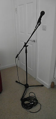 MICROPHONE dynamic studio mic   & STAND  &  2 X CABLE WITH CONNECTORS JACK