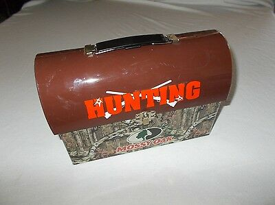 FAB Starpoint Mossy Oak camouflage Hunting theme tin lunchbox used